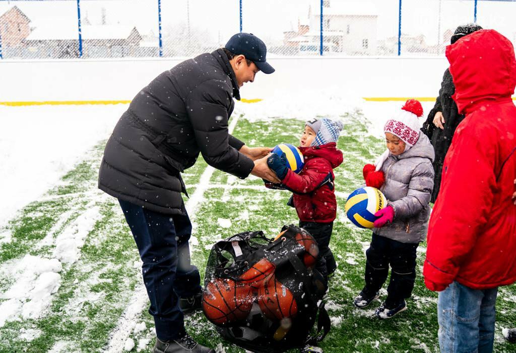 В жилых массивах Нур-Султана открыли хоккейные корты, фото-1