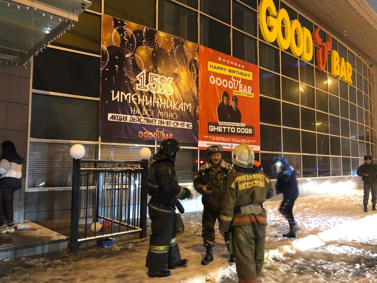 Пожарные спасли 8 человек при возгорании ночного клуба в Нур-Султане, фото-3, Фото пресс-службы КЧС МВД РК