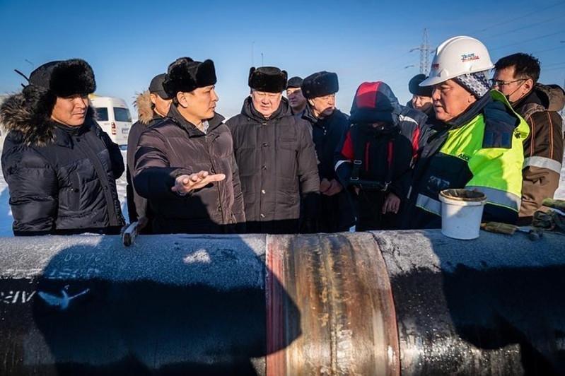 Алтай Кульгинов проинспектировал сварочные работы на газопроводе , фото-1