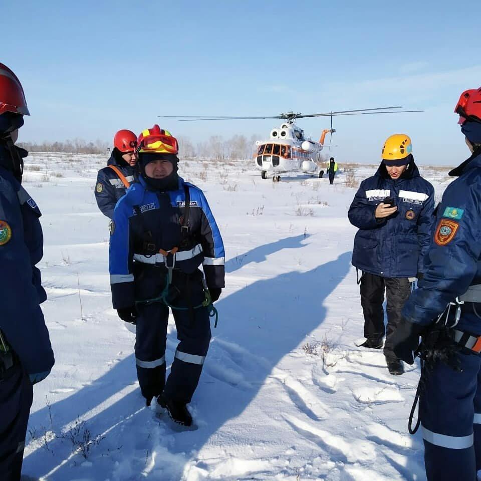 Спасатели Нур-Султана провели тренировку с использованием вертолёта (фото), фото-6