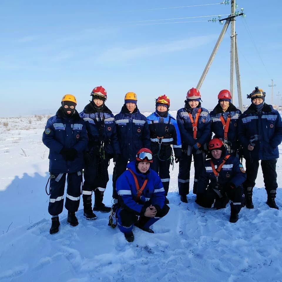 Спасатели Нур-Султана провели тренировку с использованием вертолёта (фото), фото-7