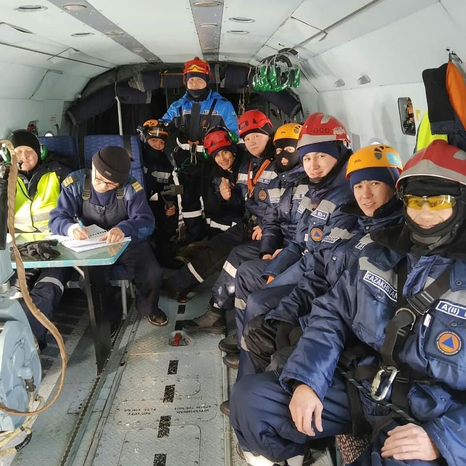 Спасатели Нур-Султана провели тренировку с использованием вертолёта (фото), фото-3