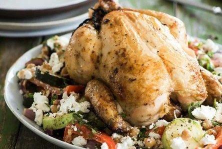 Курица получается сочной и вкусной