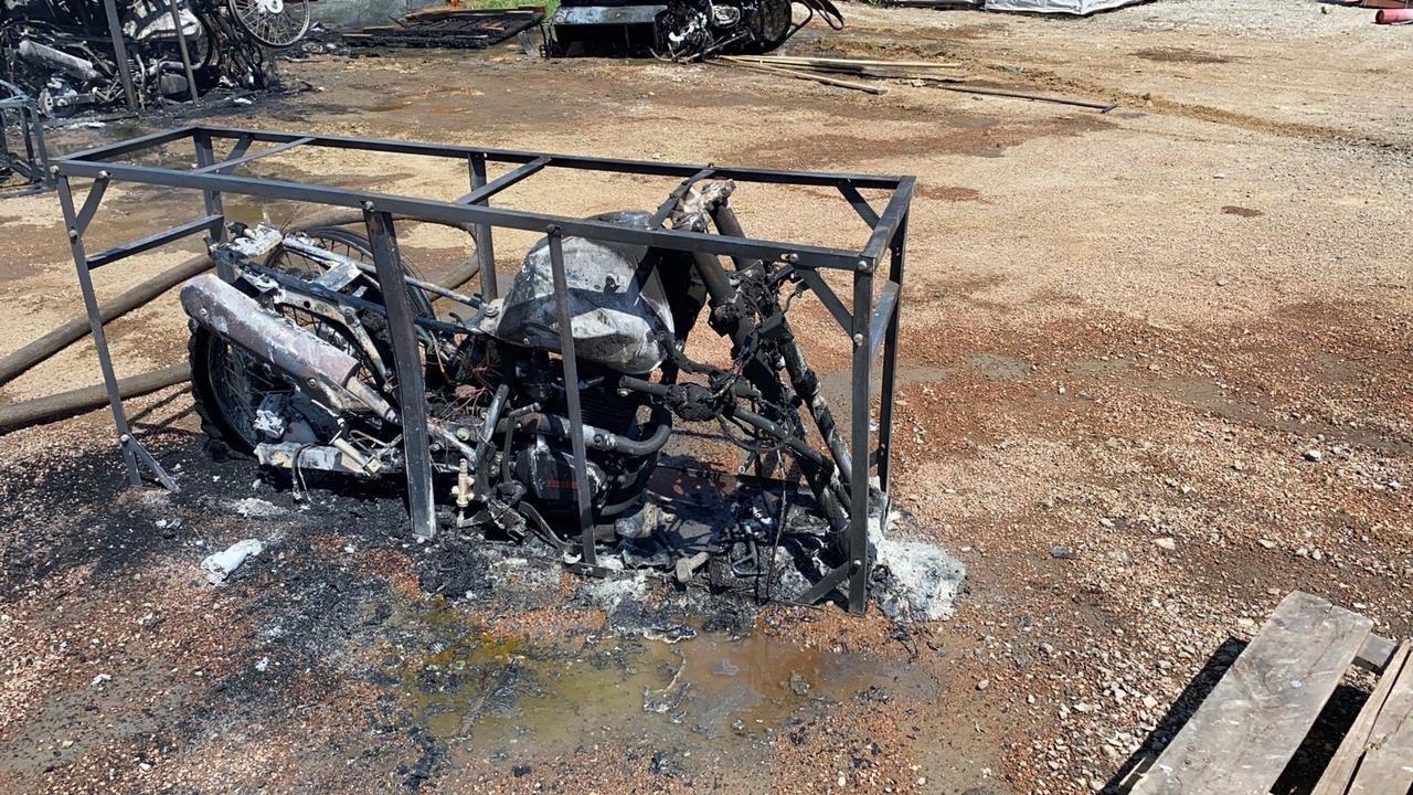 сгорели 36 мотоциклов и 1 снегоход, фото пресс-службы ДЧС Нур-Султана