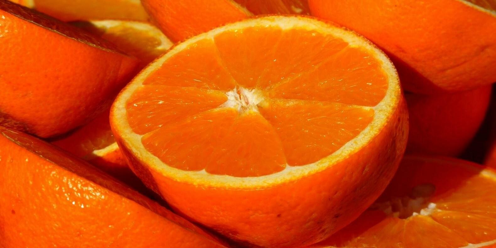 О пользе апельсинов и как правильно их есть, рассказала диетолог