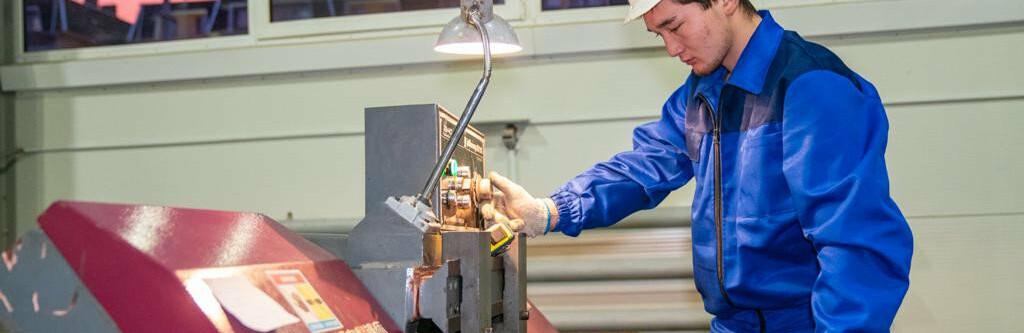 Алтаю Кульгинову показали производство отечественных лифтов